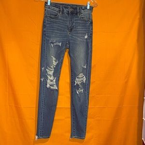 2/$30 American Eagle high Waisted Distressed Jeans